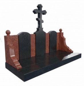 Три могилы с крестом