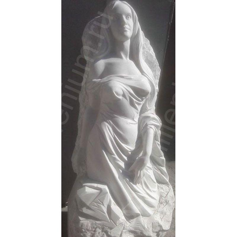 Скульптуры из гранита и бронзы