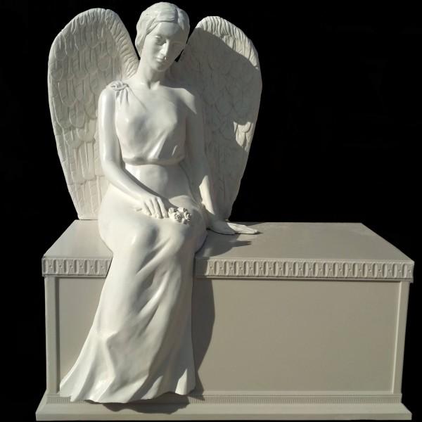 Скульптура - Ангел на тумбе, арт. 050