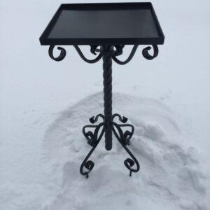 Столик кованый под гранитную плитку